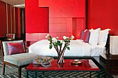 Devi Ratn Hotel - red room
