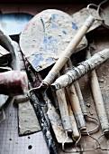 Werkzeuge für Töpferarbeiten