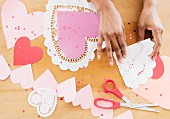 Making heart-shaped paper decorations