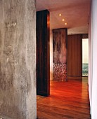 Wood and concrete panels in purist house
