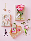 Utensils and ideas for decorative gift packaging