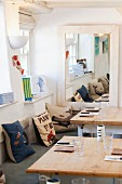 The dining room in the Outlaws Fish Kitchen in Port Isaac (Cornwall, England)