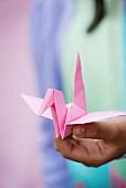 Rosa Origami-Vogel