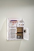 Shabby-chic wall-mounted cabinet