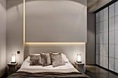 Indirekte Beleuchtung über dem Bett im grauen Schlafzimmer mit asiatischen Schiebetüren
