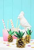 Ananas aus Kieferzapfen gebastelt