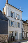 Renovated, traditional townhouse with French country-house ambiance