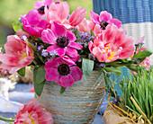 Anemone coronaria (crown anemone) bouquet