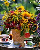 Helianthus annuus (Sunflower), Solidago (Goldenrod)