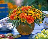 Dahlia hybrid (Dahlia flowers), Helenium (sunflower)