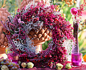 Wreath of Erica and Calluna (heath), Calocephalus (barbed wire)