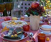 Apple pie, Malus apples and ornamental apples, rose rosehips, Hedera ivy, Vitis