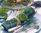 Anethum (dill), Lavandula (lavender)