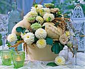 Cucurbita (white pumpkins), Dahlia (white dahlia)