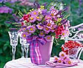 Arrangement in pink pot