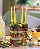 Adventskranz mit Glas und Zimtstangen (grüne Kerzen): 4/4