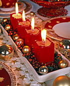 Unusual Advent wreath with red candles