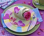 Valentine napkin deco with rose and foam rubber hearts