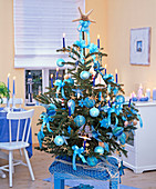 Christmas tree with maritime Christmas tree decoration