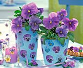 Pots with pansy napkin deco