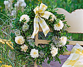 Wreath with Buxus, Dahlia, Clematis