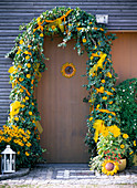 Front door with ivy bow