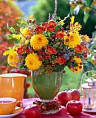 Bouquet from Dahlia, Rosa, Calluna