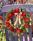 Lantern-Ornamental wreath