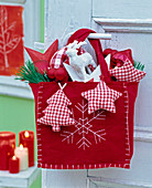 Red and white advent decoration