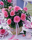 Table decoration with mini roses