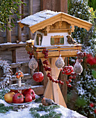 Bird Feeder with birds, dumplings, Malus, Etagere