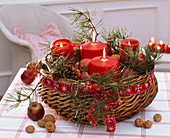 Advent wreath with Pinus, Malus, Juglans