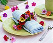 Floristik aus dem Balkonkasten : Kranz aus Calibrachoa (Zauberglöckchen)