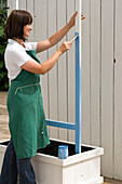 Box with clothesline as a climbing aid