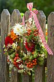 Wreath made of dahlia, humulus (hops), roses (rosehip)