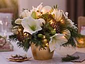 Weihnachtsstrauß mit Hippeastrum (Amaryllis)