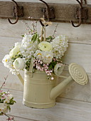 Bouquet from Hyacinthus, Narcissus 'Bridal Crown'