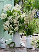 Bouquets of Sambucus nigra, Trifolium rubrum