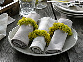 Napkin rings made of fennel flowers