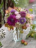 Small autumn bouquet with Dahlia, Rosa, Sedum