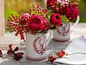 Deer motif mugs with rose 'Red Leonardo Da Vinci'