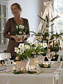 Christmas roses table decoration