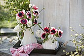 Red-white scented bouquets with Hyacinthus, anemone coronaria