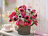 Bouquet with Anemone coronaria 'Cristine', Tulipa