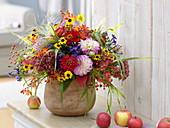 Mixed bouquet made of Dahlia, Zinnia, Sedum