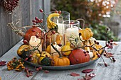 Candle tray with pumpkin decoration