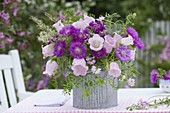 Pink-pink early summer bouquet with Campanula medium