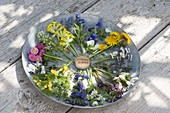 Edible flowers in a clockwise direction