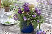 Strauss aus Kräutern und essbaren Blüten : Schnittlauch (Allium