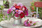 Pink-pink-red, fragrant late summer bouquet